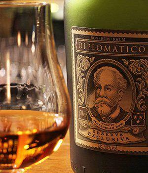 Het portret van Don Juancho op een fles