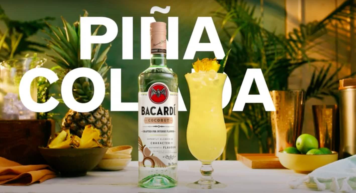 Kijk hier hoe je een Pina Colada maakt