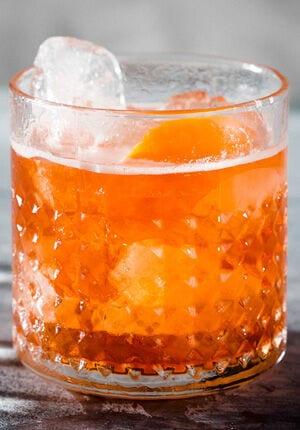 count negroni met ijs in glas