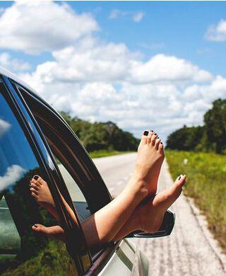 voeten uit autoraaam