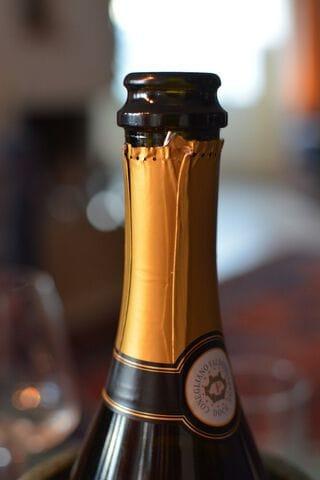 Hoe bewaar je open Champagne?