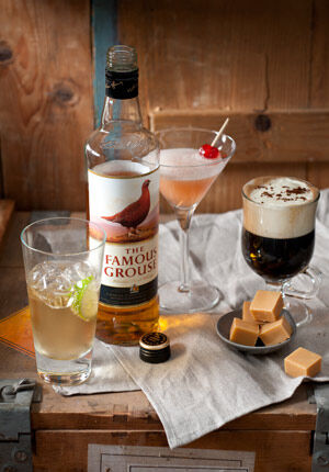 famous grouse cocktails uitgestald