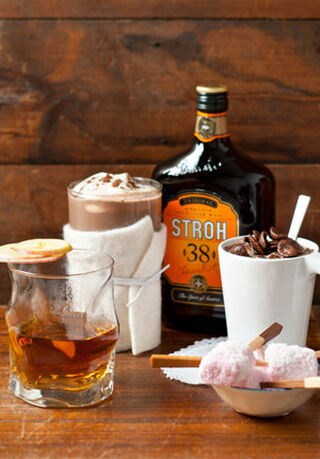 Strohrum met cocktails
