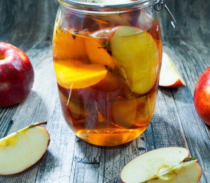 Cider appels in pot