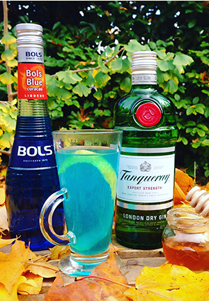 Hot Blue Tubbie cocktail