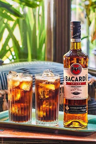 Bacardí Spiced & cola