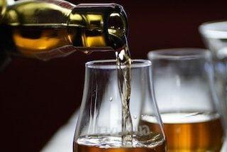 Hoe serveer je whisky?