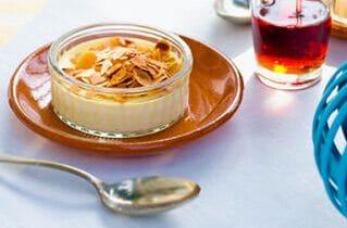 Crème brûlée met amandelen en likeur