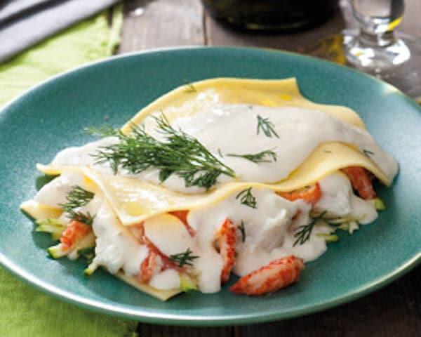 Lasagne met romige vis, rivierkreeftjes en courgette