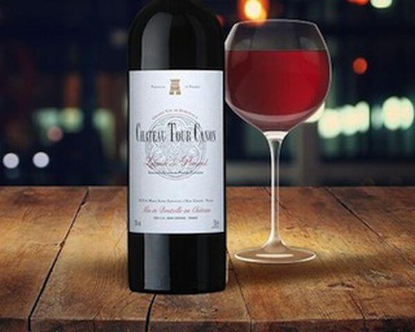 Fles Pomerol wijn